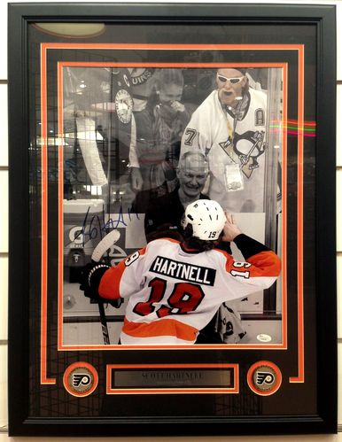 Philadelphia Flyers Scott Hartnell Autograph 16x20 Framed