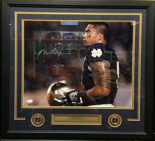 Manti Te'o Autographed/Framed Picture