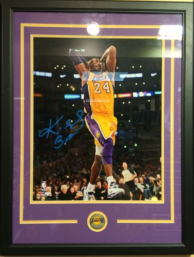 Kobe Bryant Autographed/Framed Picture