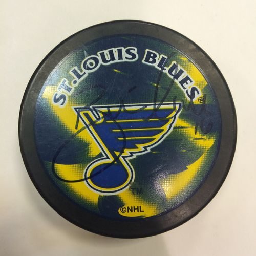 Brett Hull St. Louis Blues Autographed Hockey Puck
