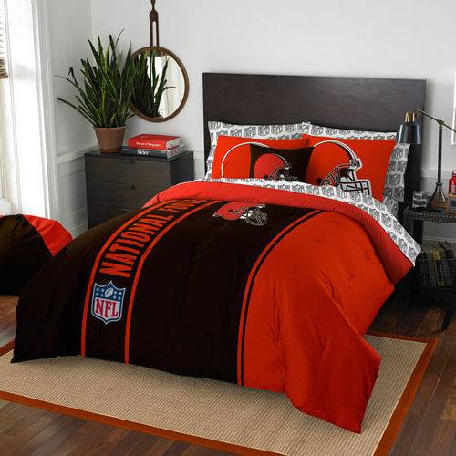 Cleveland Browns The Northwest Company Soft & Cozy 7-Piece Full Bed in a Bag Set