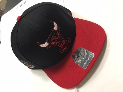 "Chicago Bulls Black & Red ""Windy City"" 47 Brand Snapback Hat"