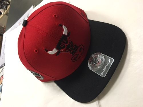 "Chicago Bulls Red & Black ""Windy City"" 47 Brand Snapback Hat"