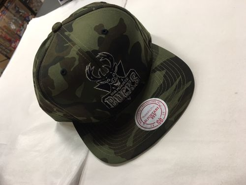 Milwaukee Bucks Camo Mitchell & Ness Snapback Hat